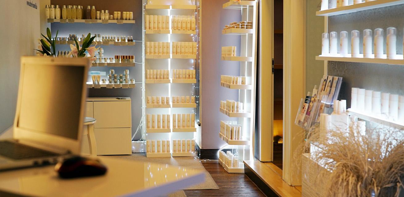 Kundenmeinungen und Bewertungen über Kosmetikstudio Hamburg in der Hamburger Innenstadt mit von Lupin Produkten